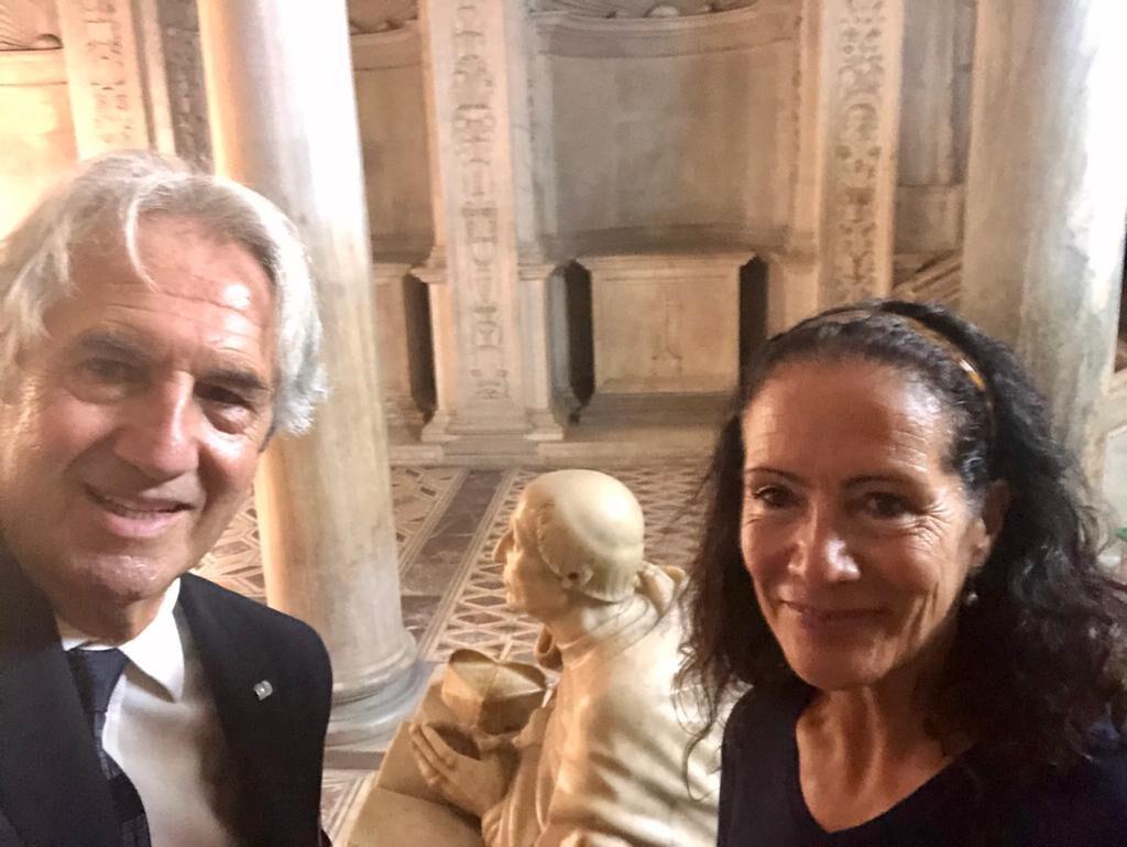 Restauro della statua del Cardinale Carafa finanziati dall'Associazione MACS I Mecenati